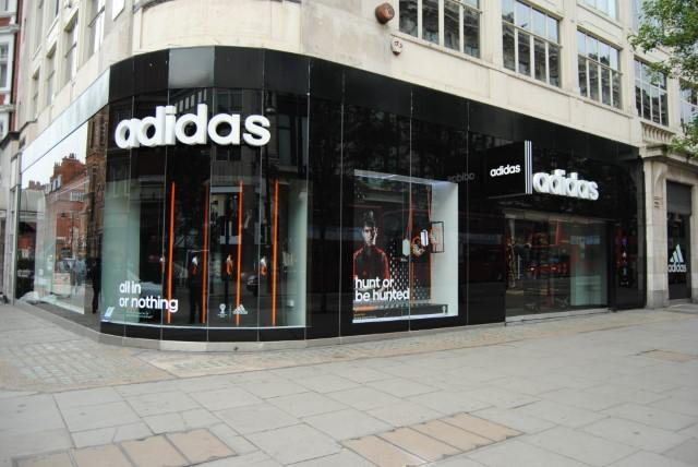 plus récent 9237a 78e2b ADIDAS ORIGINALS LONDON STORE - London On The Inside
