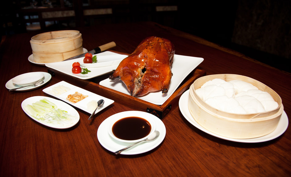 Gallery-Peking-Duck-With-Accompaniments-LOTI