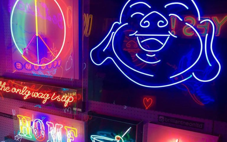 brilliant neon | london on the inside