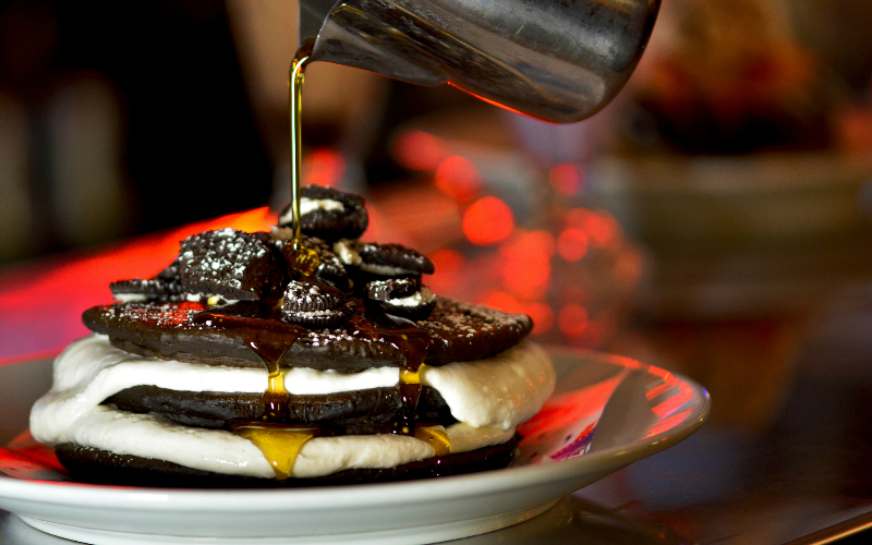 oreo pancakes at the diner | london on the inside