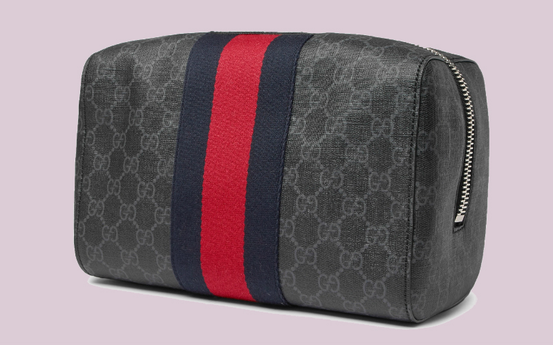 gucci wash bag | london on the inside