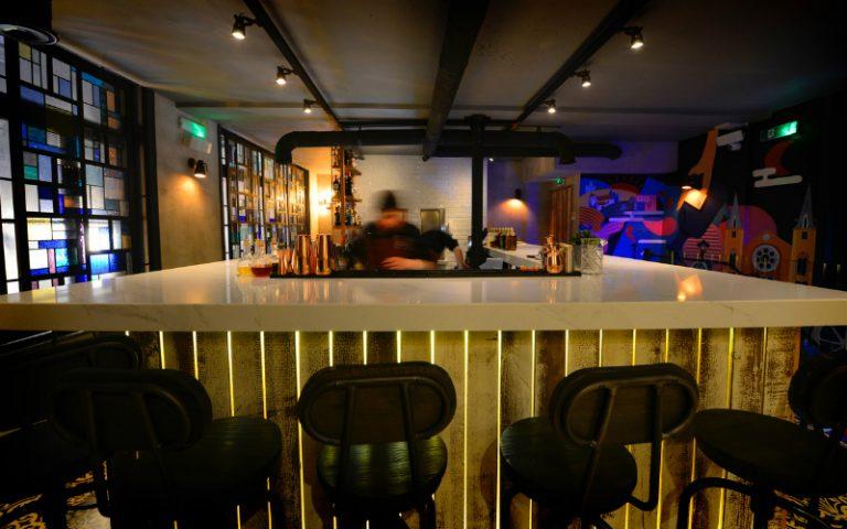 viet lounge   london on the inside