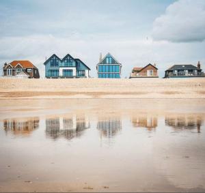 Beaches Near To London