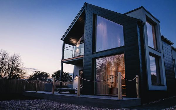 A STAY IN THE GLASSHOUSE IN THE CORNISH COUNTRYSIDE
