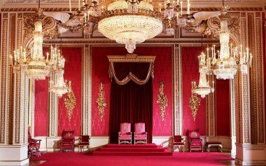 TAKE A VIRTUAL TOUR OF BUCKINGHAM PALACE