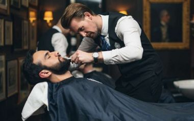 HOW TO EXPERTLY SHAVE A BEARD WITH TRUEFITT & HILL