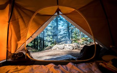 CAMP OUT THIS SUMMER AT THESE POP-UP GLAMPING SITES